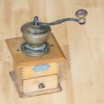 家庭用コーヒーミルのタイプ別比較!手動・電動どれを選ぶ?