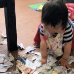 雨の日に!1歳娘と家にあるものでやってみた3つの室内遊び