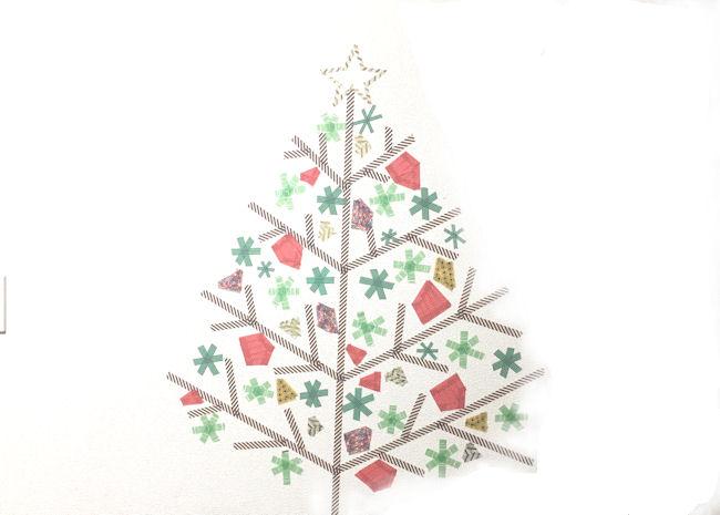 クリスマスの壁面飾り付け!マスキングテープでツリーを描いてみた