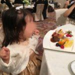 結婚式に子連れ出席!2歳女の子の服装・髪型・靴の選び方
